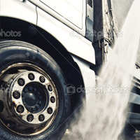Low Cost-Per-Gallon Truck Wash Detergent